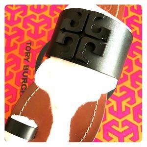 New Tory Burch size 7 black sandal